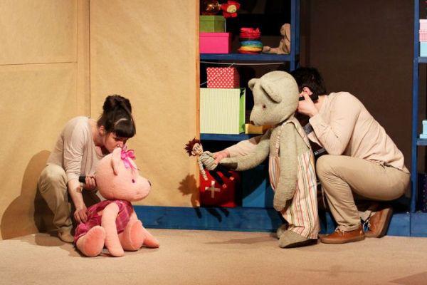 A medve, akit Vasárnapnak hívtak - Kolibri Színház