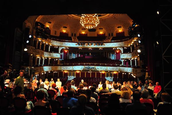 Sajtótájékoztató a Vígszínházban