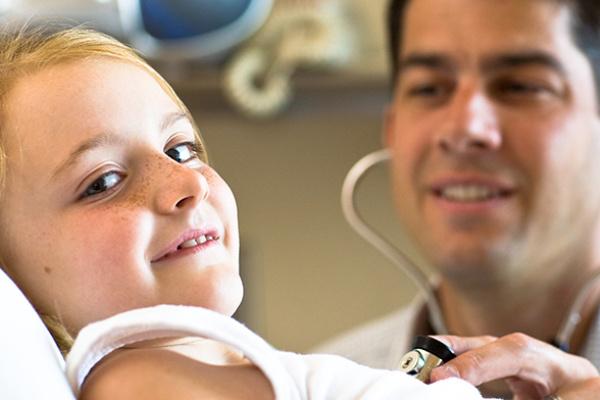 Kislány kórházban (képünk illusztráció)