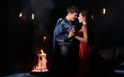 Vágó Bernadett, a magyar Júlia és Papagheorghe George, a román Rómeó