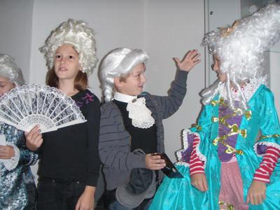 gyerekek jelmezben, Ausztria, Haydn Explosiv, illusztráció