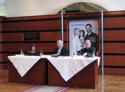 Váradi Júlia, Körner Tamás, Fischer IvánÉvados sajtótájékoztató, 2010.04.28., BFZ, Parlament Café