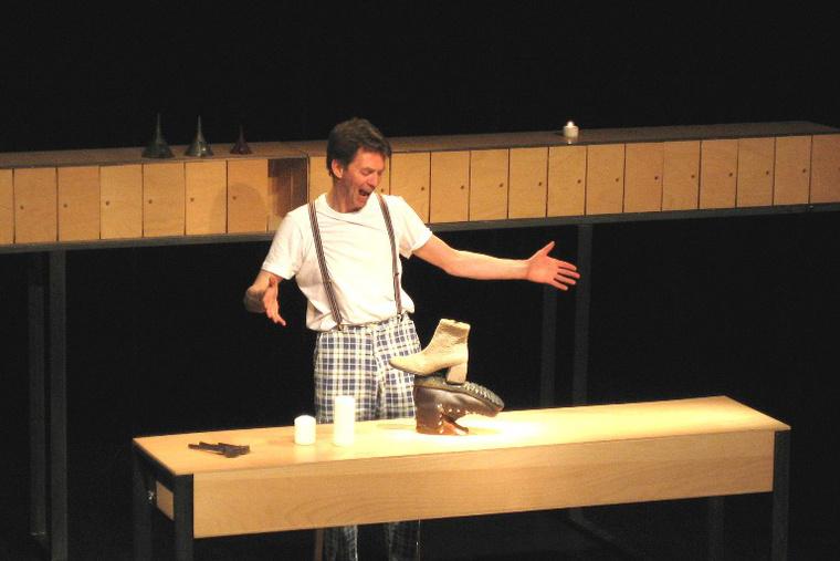 Dreifel - Pete Belcher - Bukaresti Nemzetközi Gyerekszínházi Fesztivál