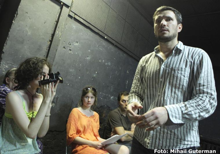 Teatr.doc: Egy óra tizennyolc (perc