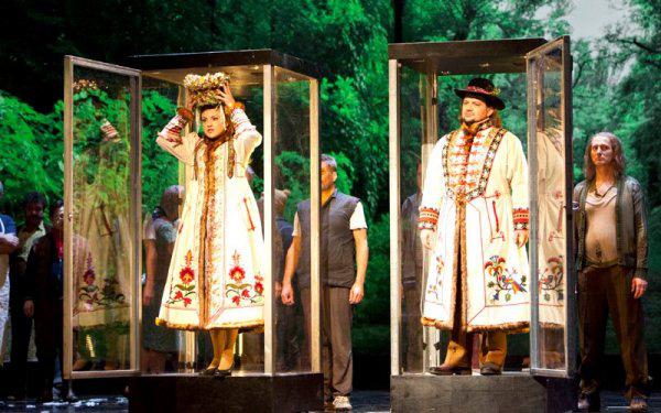 Smetana: Az eladott menyasszony Kovalik Balázs rendezésében
