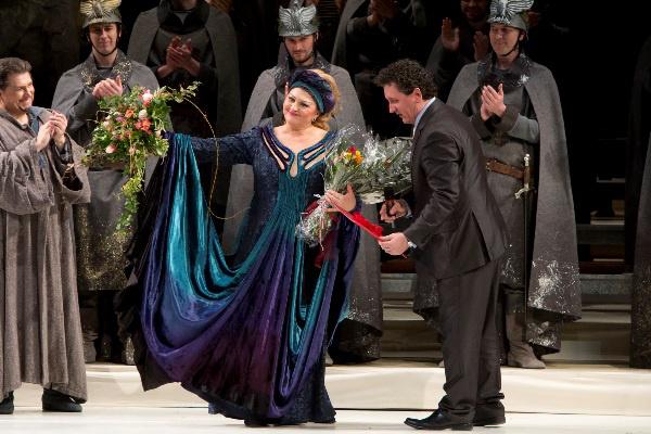 Temesi Mária köszöntése a Magyar Állami Operaházban