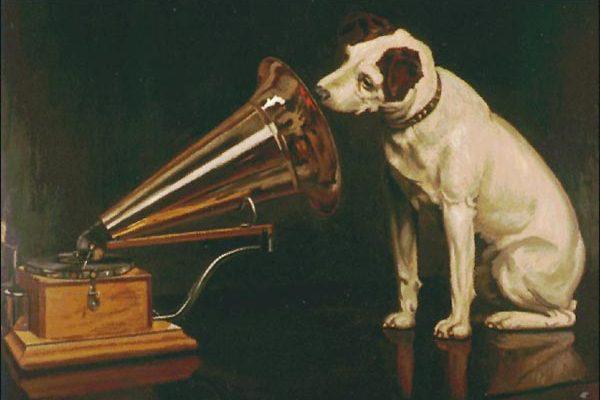 Nipper kutya gramofonnal