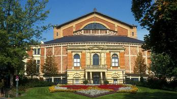 Megvan, kivel pótolják a Bayreuthi Játékok lelépő karmesterét