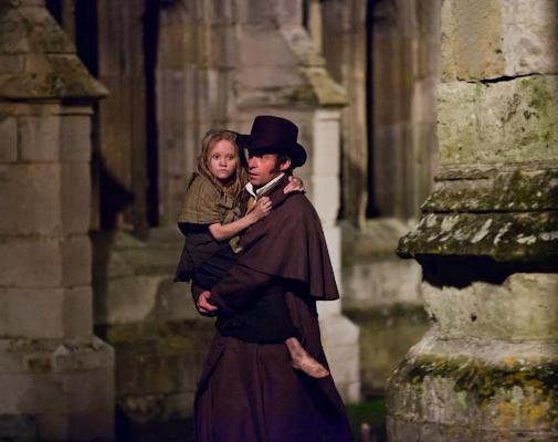 Hugh Jackman és Isabelle Allen-Young - Jean Valjean és a fiatal Cosette szerepében