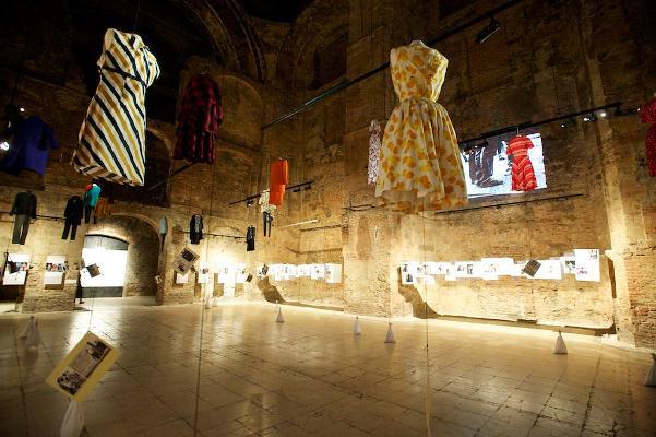 Kiscelli Múzeum: Street Fashion - Utcai divat egykor és ma