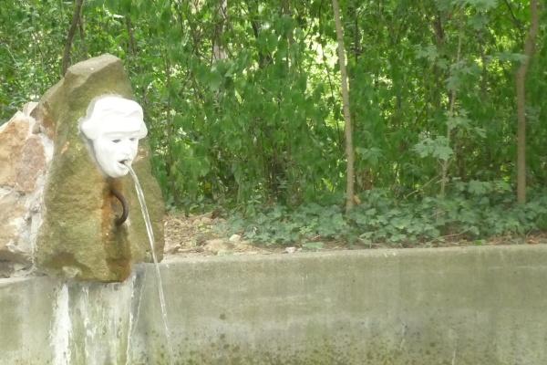Vízköpő-avatás a Dohnányi-kertben