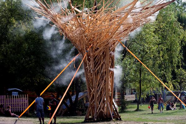 Sziget 2012 - 2. nap, Tornádó - Hello Wood