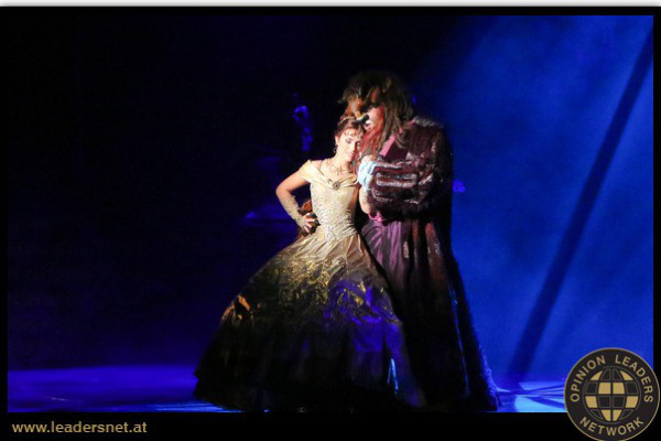 A Budapesti Operettszínház Szépség és a Szörny című előadása a bécsi Stadthalléban