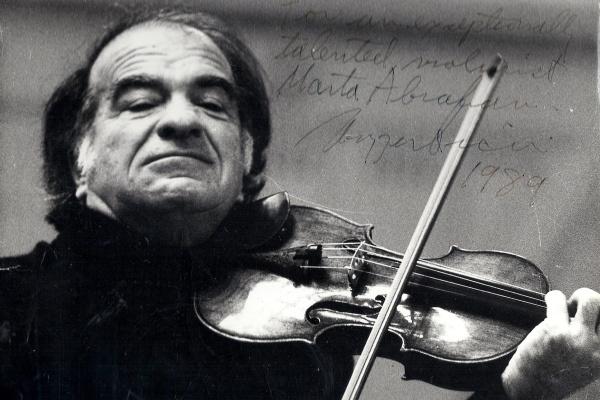 Ruggeiro Ricci (Ábrahám Mártának dedikált fénykép, forrás: Ábrahám Márta)