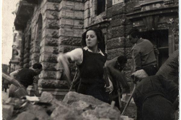 Gobbi Hilda - 1945, Nemzeti