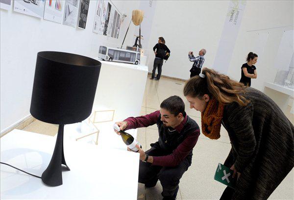 Kiállítás a Magyar Formatervezési Díj munkáiból a Műcsarnokban
