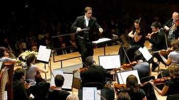 A svájci Alpokat hódítja meg a Pannon Filharmonikusok