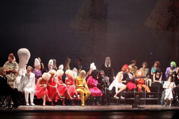 Mario és a varázsló - előadás az Erkel Színházban