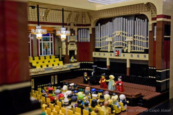 Zeneakadémia LEGO-ból - Liszt-kukacok Akadémiája