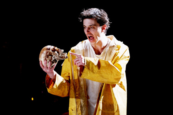 Polgár Csaba Hamlet szerepében