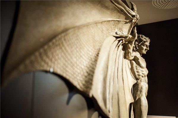 Leonardo da Vinci Az ember madárrá alakítása című alkotása
