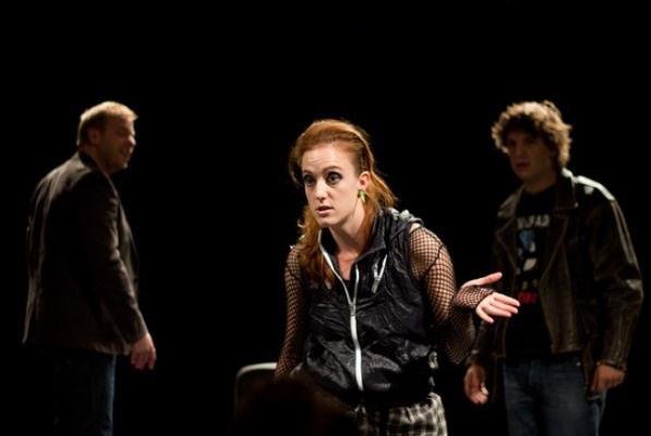 Háy Anna (középen) fotó: Rostás Bianka