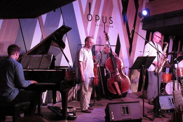 A Grencsó Kollektíva vendége Mezei Szilárd - Opus Jazz Club