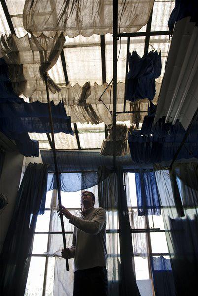 Beliczay László képe a Napfényműterem Székelyudvarhelyen című sorozatból
