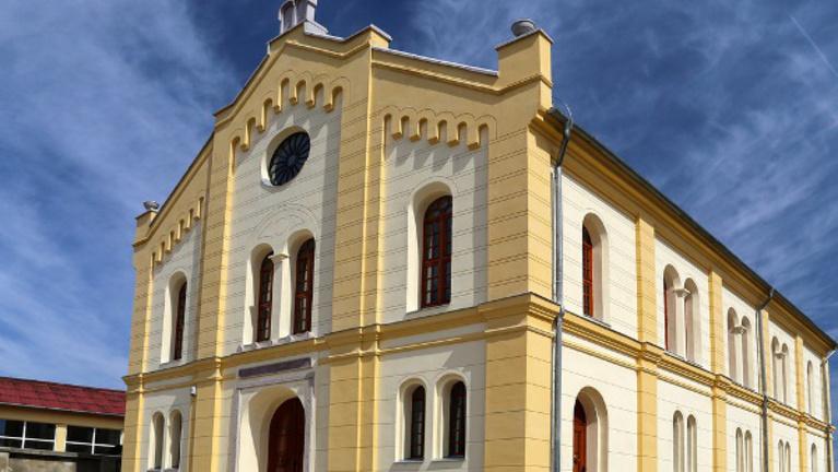 Üres zsinagógákat tölt meg élettel a BFZ