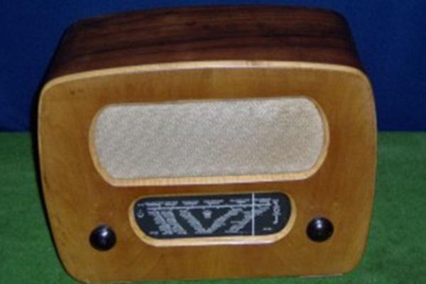 Orion 325 asztali rádió