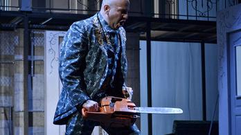 Private View - Opera készült Hitchcock filmjéből
