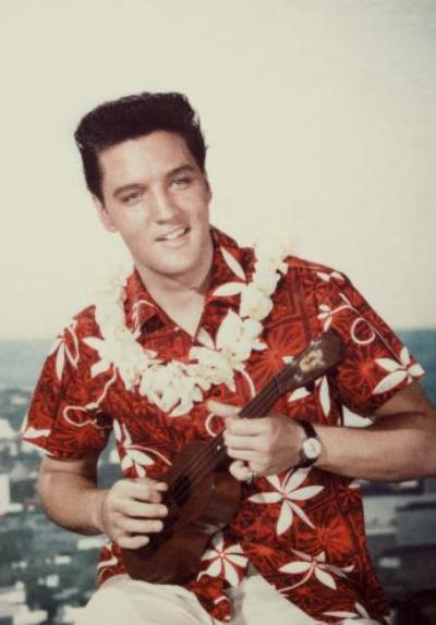 Elvis Presley ukulelével