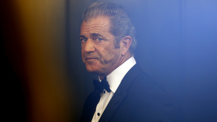 Mel Gibson tagadja, hogy meglökdösött és sértegetett volna egy fotóst