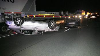 Fantomautókba csapódtak az M5-ösön