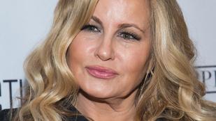 Tippeljen, hány éves Stifler mamája!
