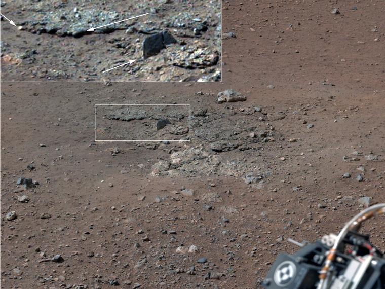 A Mars-járó landolása nyomán felszínre került kőzeteket tanulmányozta először a Curiosity.