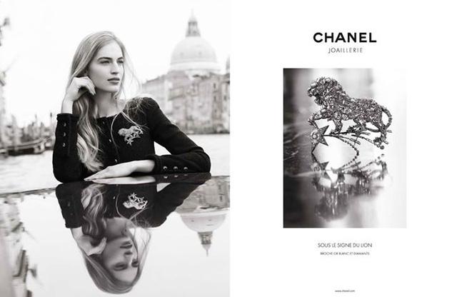 Axente Vanessa a Chanel 'Sous le Signe du Lion' néven futó ékszer kollekciót promotálja. A szupermodellt Dominique Isserman kapta lencsevégre Velencében.