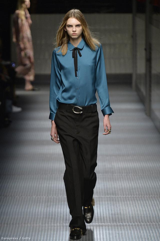 Az akkori összeállításban látott fantáziát a  Gucci új kreatív igazgatója, Alessandro Michele is. A frissen érkezett tervező a 2015-ös őszi-téli szezonban sütötte el a kél blúzt és a fekete, maszkulin pantallót.