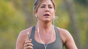 Kikerekedett Jennifer Aniston a mézeshetek alatt