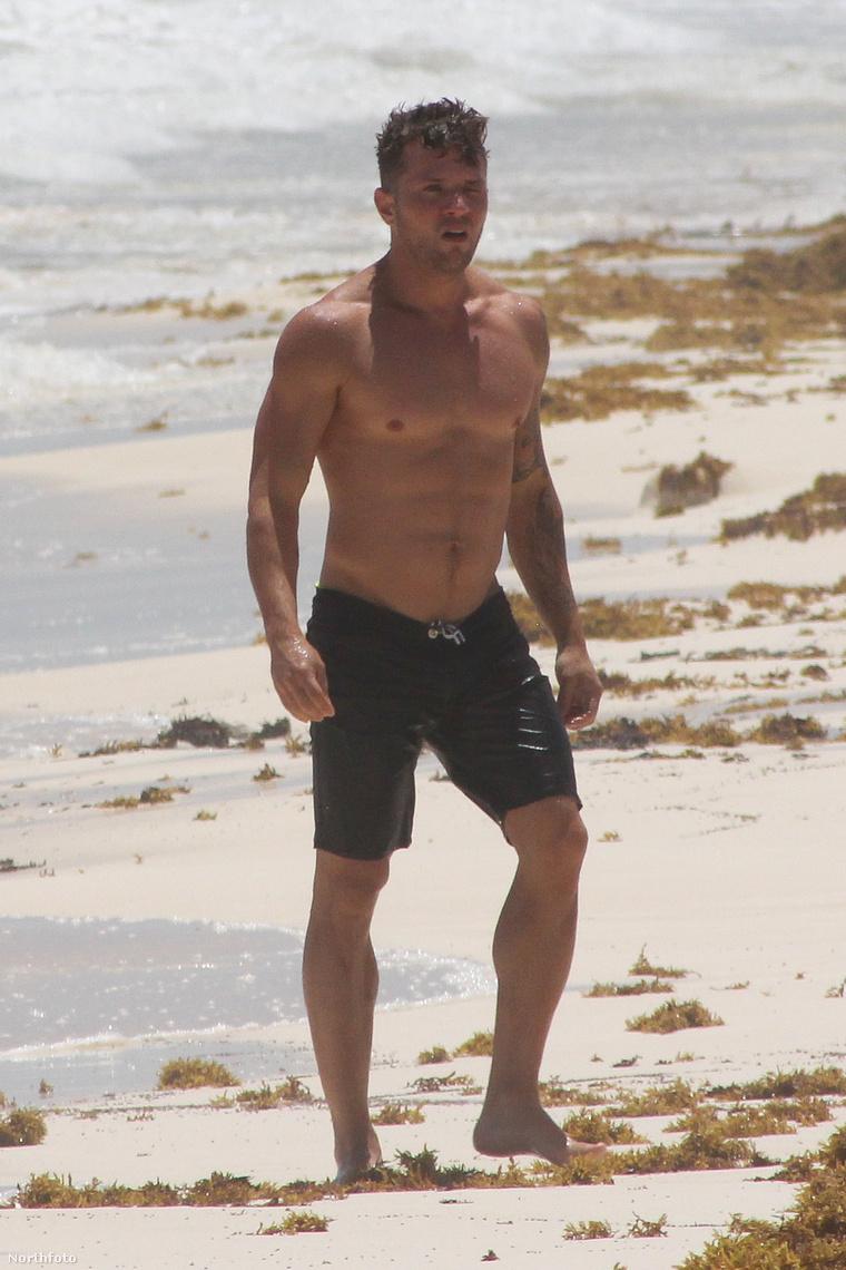 Ryan Phillippe a strandon bandukol