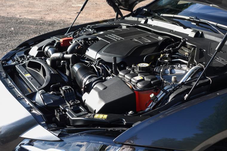 Már csak a Jaguar használja a régi, V6-os PSA-dízelt. De még mindig egyre jobb