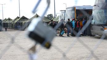 Esély sincs szabályosan menekülttáborból tudósítani
