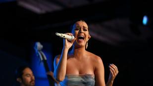 Nagyon erősre sikeredett Katy Perry önmagát égető videója
