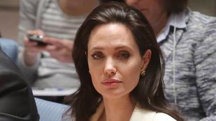 Találtak egy videót a 25 éves Angelina Jolie-ról, amin színészkedni tanul