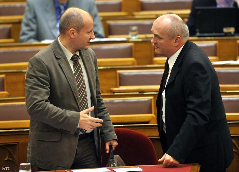 Állítólag nem tudott együtt dolgozni a régi és az új honvédelmi miniszter