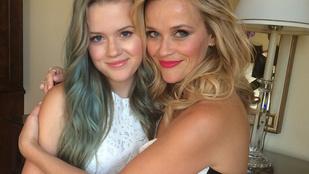 Reese Witherspoonnak már 16 éves a lánya, és tök úgy néz ki, mint az anyja