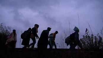 A sötétre vártak a menekültek
