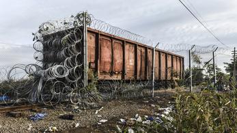 Meglepte a menekülteket a Mad Max-vagon