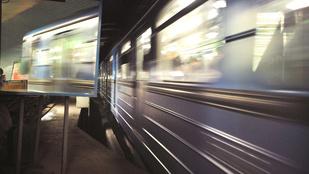 Tűz miatt ürítették ki a metrót az Ecseri Útnál