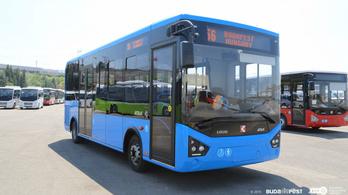 Ősszel már járnak az új török midibuszok a budai Várban